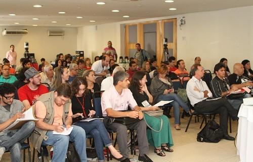 Encontro reuniu mais de 100 dirigentes e assessores ligados à comunicação cutista / crédito Roberto Parizotti