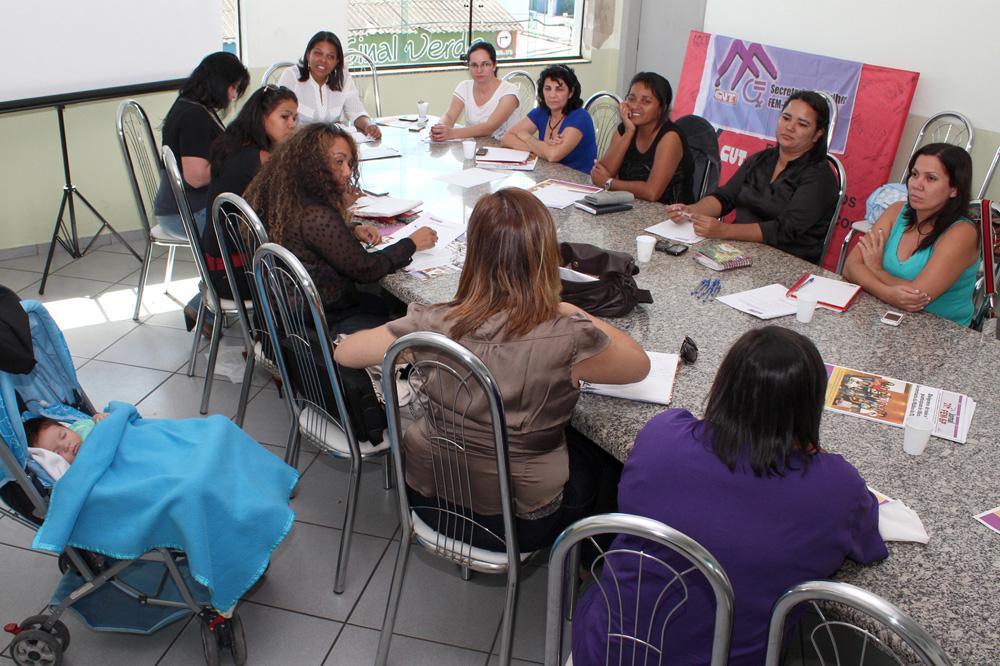 17.05.13 Pinda sedia reunião do Coletivo de Mulheres da FEM_3849