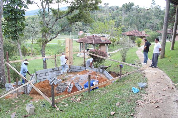Construção de mais cinco quiosques no Clube de Campo já foi iniciada