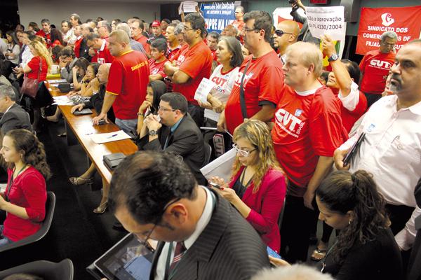 Mobilização adiou a votação do Projeto de Lei que é um retrocesso para os trabalhadores; crédito: Luiz Carvalho