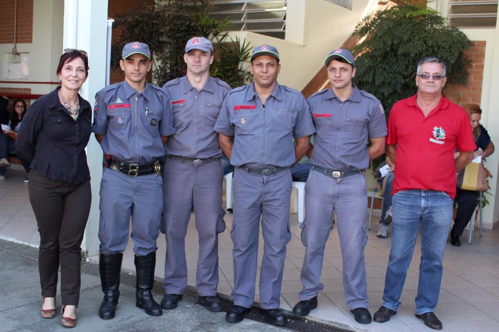 Sonia, assistente social do hemonúcleo de Taubaté, bombeiros de Pinda e o diretor Social do Sindicato dos Metalúrgicos, Serrinha