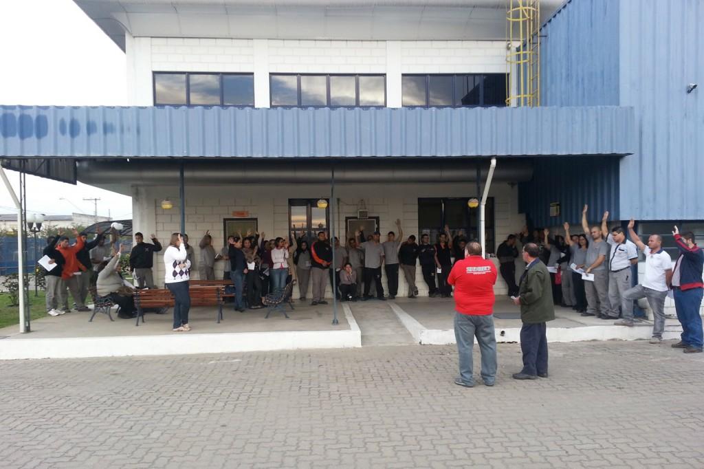 Trabalhadores da Oversound aprovam proposta de PLR em assembleia no dia 9 de agosto.Foto Célio da Silva - Celinho