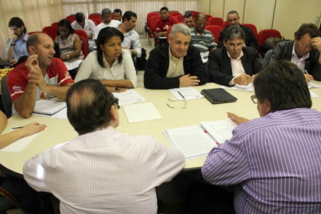 Rodada de negociação com bancada do G8 no dia 10 de agosto - Crédito: Nayara Striani/Mídia Consulte