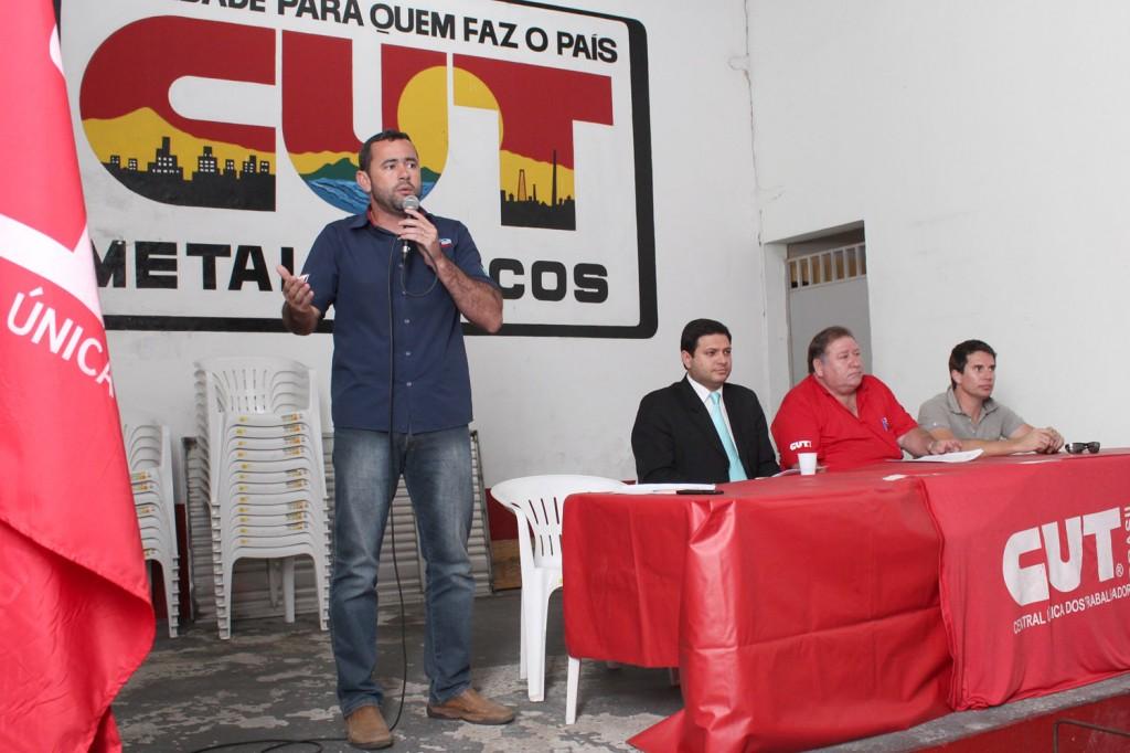 Compuseram a mesa o secretário geral, Herivelto Vela, o advogado trabalhista Alison Montoani, o presidente Renato Mamão e o tesoureiro Sérgio da Silva