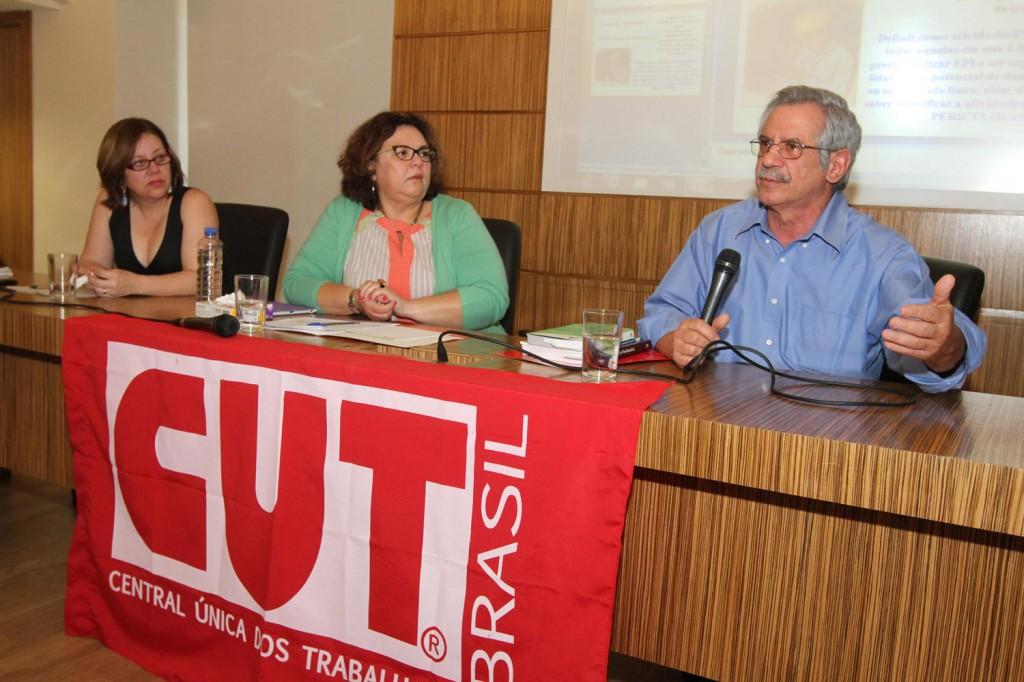 Oficina da CUT Nacional sobre aposentadoria especial no dia 13 de setembro (Crédito Roberto Parizotti)