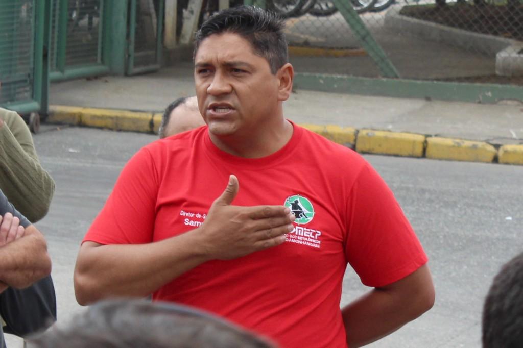 O dirigente sindical da Latasa, Francisco Sampaio, no mento da paralisação
