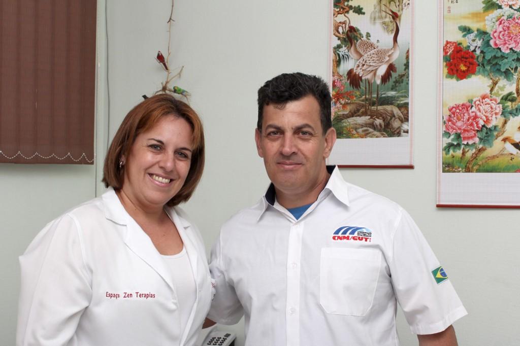 Marcia Souza, uma das profissionais que vai fazer uma palestra no encontro, e Celso Antunes, secretário de Formação do sindicato