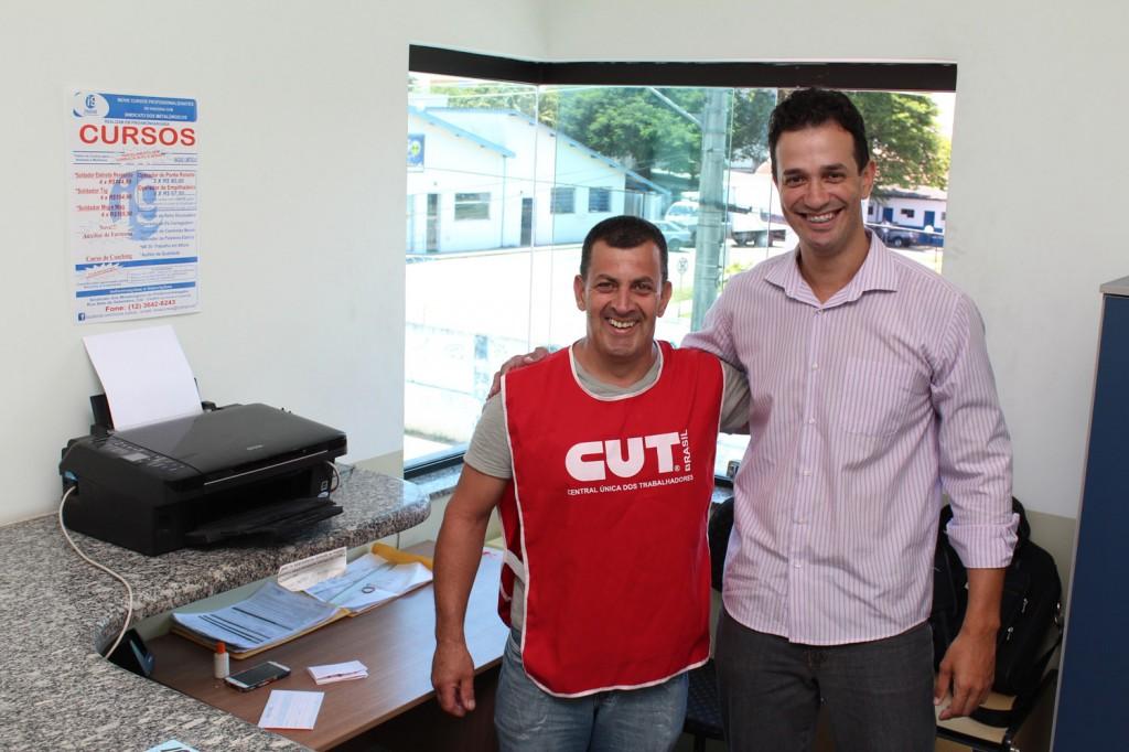 Celso Antunes e Dyego Aguiar, no posto permanente da Inove, na sede do sindicato
