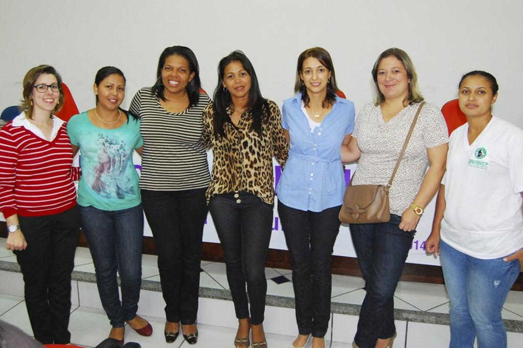 Mulheres do Sindicato dos Metalúrgicos de Pinda junto a dirigentes que promoveram o evento
