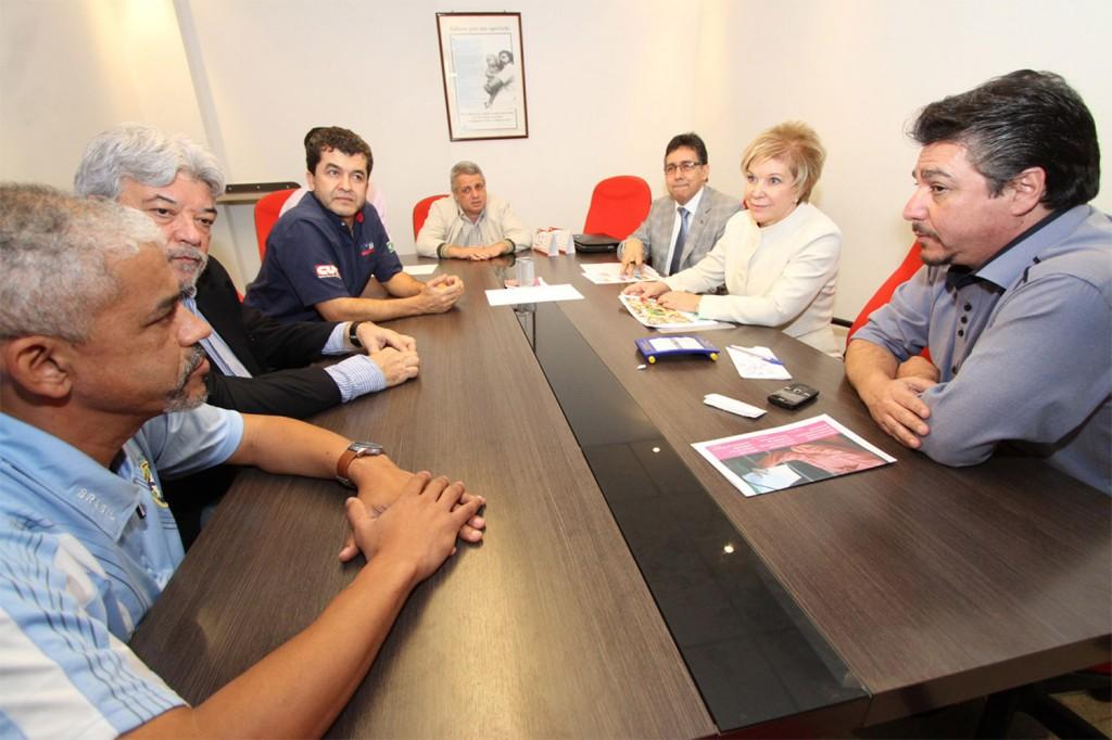 Reunião com a ministra Marta Suplicy na sede da FEM, em São Bernardo do Campo (Crédito: Adonis Guerra)
