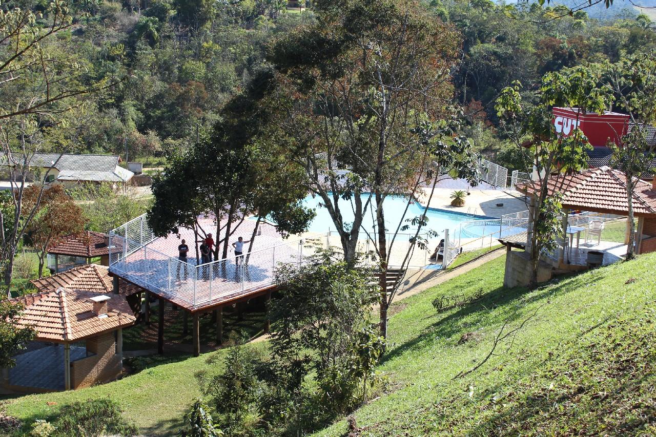 25.08.14 Reforma Clube de campo.Conclusão da ampliação do deck da piscina.IMG_0481