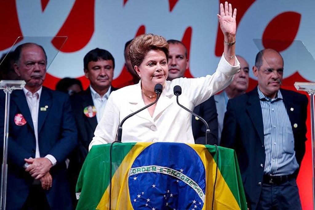 Dilma, após a vitória: calor da disputa eleitoral poderá construir 'pontes' rumo a propostas comuns e a acordos (Crédito: PEDRO LADEIRA/FOLHAPRESS)