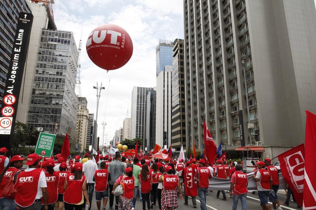 Medidas econômicas e retirada de direitos levarão à recessão, alertam sindicalistas (Crédito Dino Santos)
