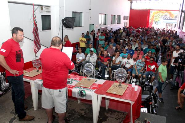 Sede do sindicato ficou lotada e os dirigentes falaram aos trabalhadores sobre as bandeiras de luta da categoria
