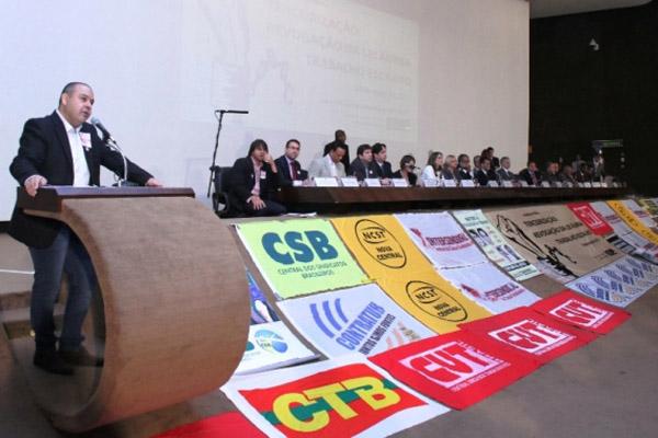 Para Vagner, não há um só item no projeto da terceirização que favoreça os trabalhadores (foto Guina Ferraz)