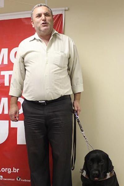 O dirigente da CUT Flávio Henrique Souza, hoje presidente do Conade, comemorou a criação do estatuto  (foto Flaviana Souza)