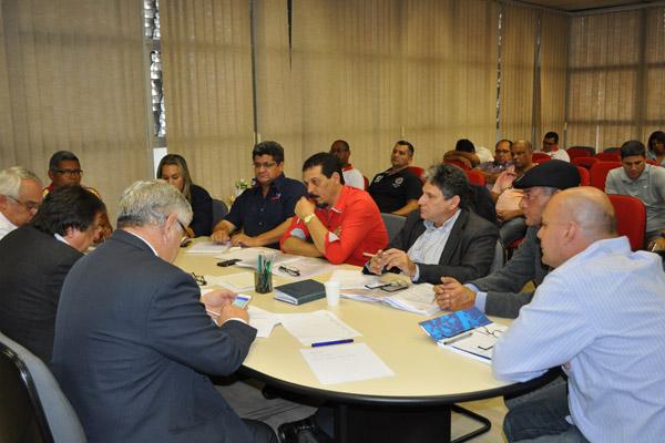3ª Rodada de Negociação FEM-CUTSP e Grupo 8 (foto Viviane Babosa-Mídia Consulte)