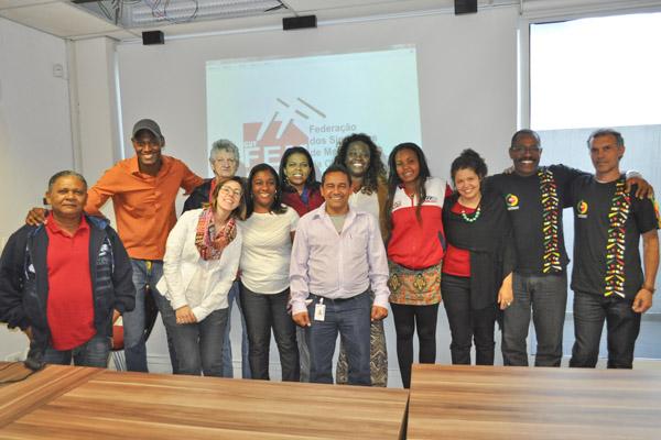 Dirigentes da FEM-CUT/SP, da CNM/CUT, da CUT/SP e assessores - foto: Viviane Barbosa/Mídia Consulte