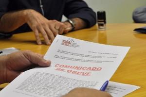 Campanha Salarial: FEM-CUT/SP entrega avisos de greve para bancadas patronais