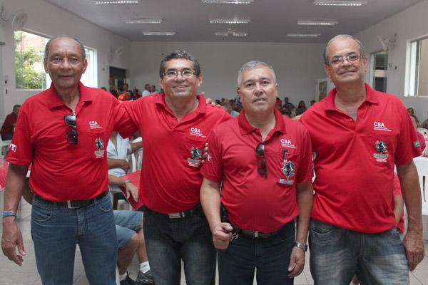 Membros do Comitê dos Aposentados: Dirceu de Paula, José Alves Filho – Sabiá, Sérgio Aparecido, e José Maria de Fátima – Mineirinho