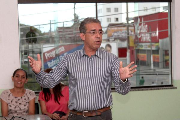 O professor Carlos Alberto de Souza