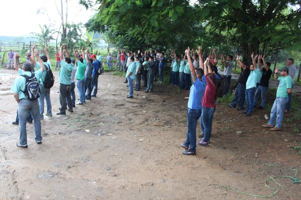 Trabalhadores aprovam em assembleia que o Sindicato recorra à Justiça caso o reajuste não seja pago até dia 31