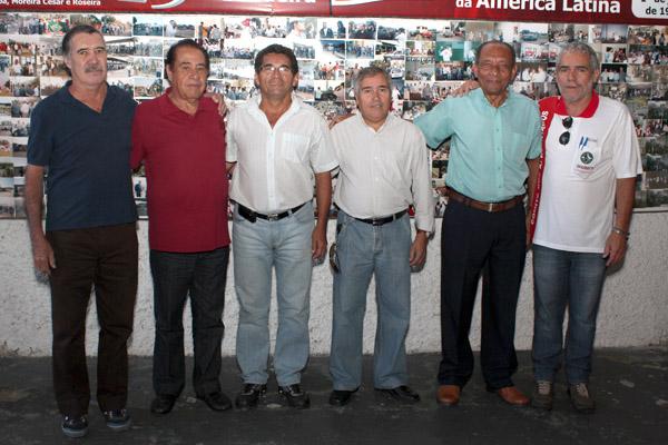 José Monteiro junto aos companheiros do CSA - Comitê Sindical dos Aposentados e antigos diretores