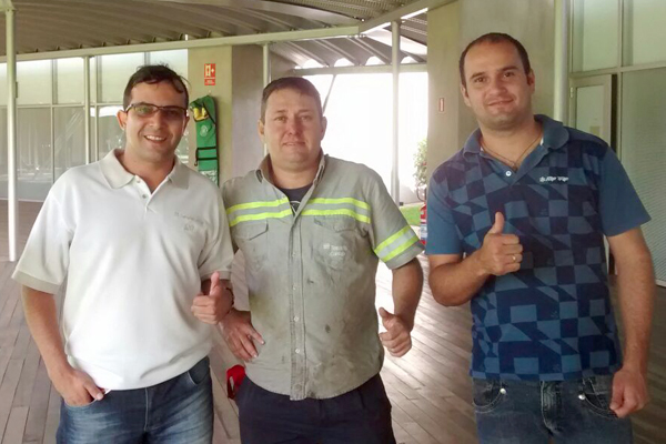 Ao centro, o novo vice-presidente da Cipa, Zé Galinha, junto aos sindicalistas Luciano da Silva e Caio Fabretti (foto arquivo pessoal)