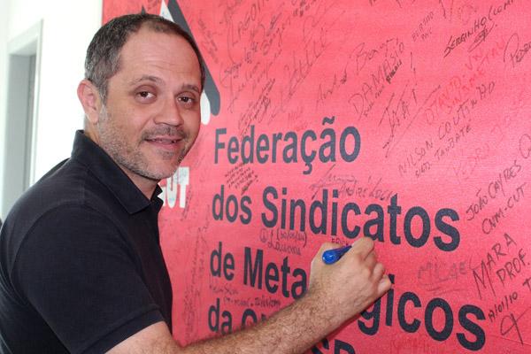 Erick Silva, secretário de Formação da FEM-CUT/SP e presidente do Sindicato dos Metalúrgicos de São Carlos, também assinou nosso mural