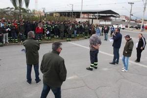 Trabalhadores paralisam produção para pressionar Confab a pagar processo judicial