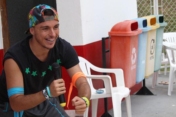 O instrutor de zumba, Victor Santos