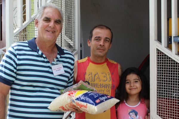 Campanha é feita em conjunto com voluntários de entidades sociais de Pinda (foto Tatiane Vieira/Tribuna do Norte)