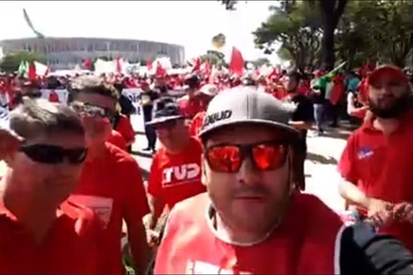 2017_05_24 Ocupa Brasília.face Andrezão