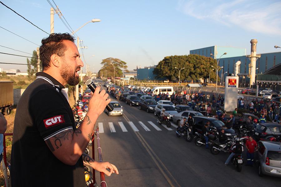 O dirigente sindical da Novelis Odirley Prado, no dia da greve