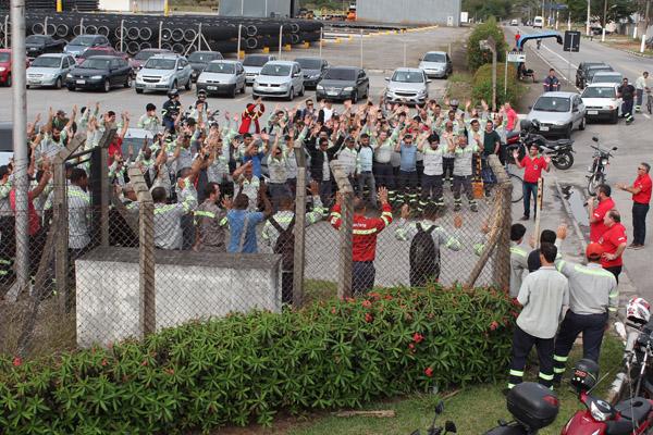 Assembleia com trabalhadores do turno da tarde - Confab Tubos/Tenaris Coating