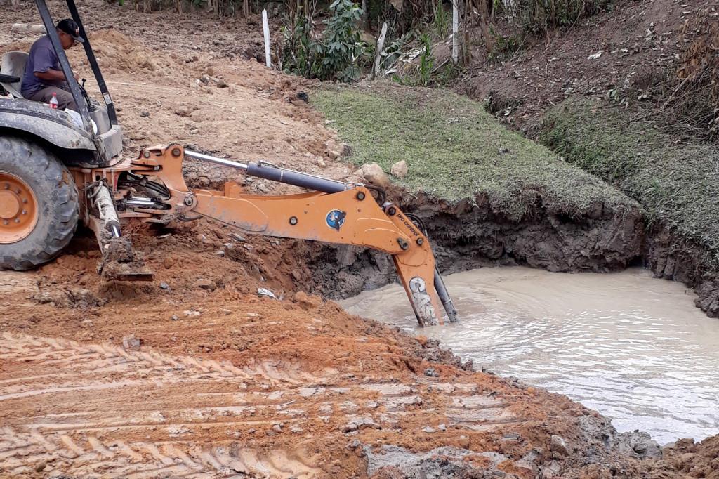 Área de brejo demandou muito esforço para drenagem do solo