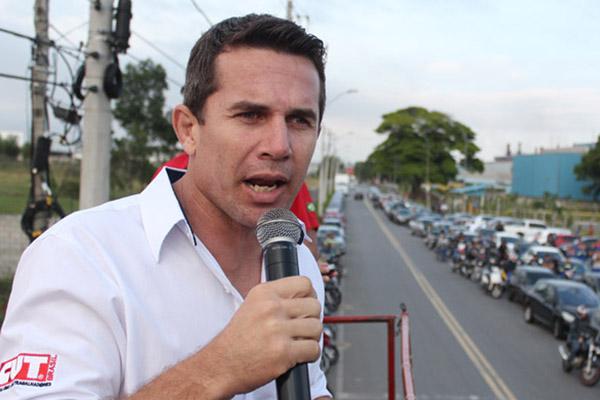 Sérgio da Silva, durante a greve da Novelis pela Campanha Salarial
