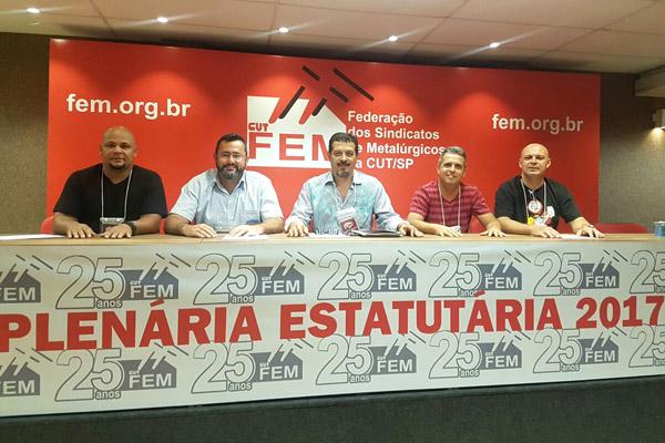 Nilson, Vela, Luizão, Gilson-Chupeta e Marcelo-Pepeo durante plenária