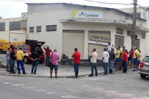 Funcionários dos Correios entram em greve em Pindamonhangaba