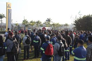 Protestos nas metalúrgicas de Pinda pressionam pela Campanha Salarial
