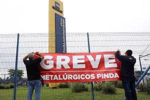 Trabalhadores da Gerdau entram em greve em Pindamonhangaba