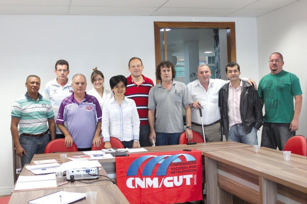 Dirigentes reunidos na sede da CNM, em São Bernardo do Campo