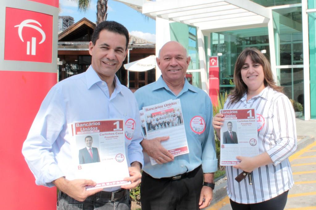 Presidente eleito Carlinhos Casé junto aos dirigentes Celso Reis e Adriana Rozzante (crédito: Vanessa Ramos)