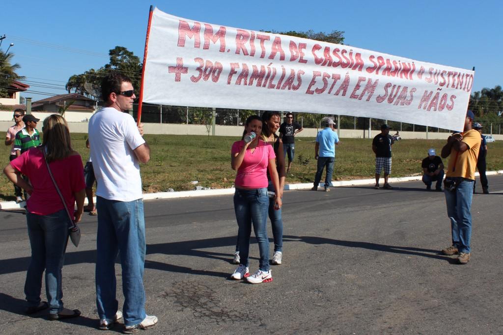 Protesto cobra decisão da juíza Rita de Cássia Spasini