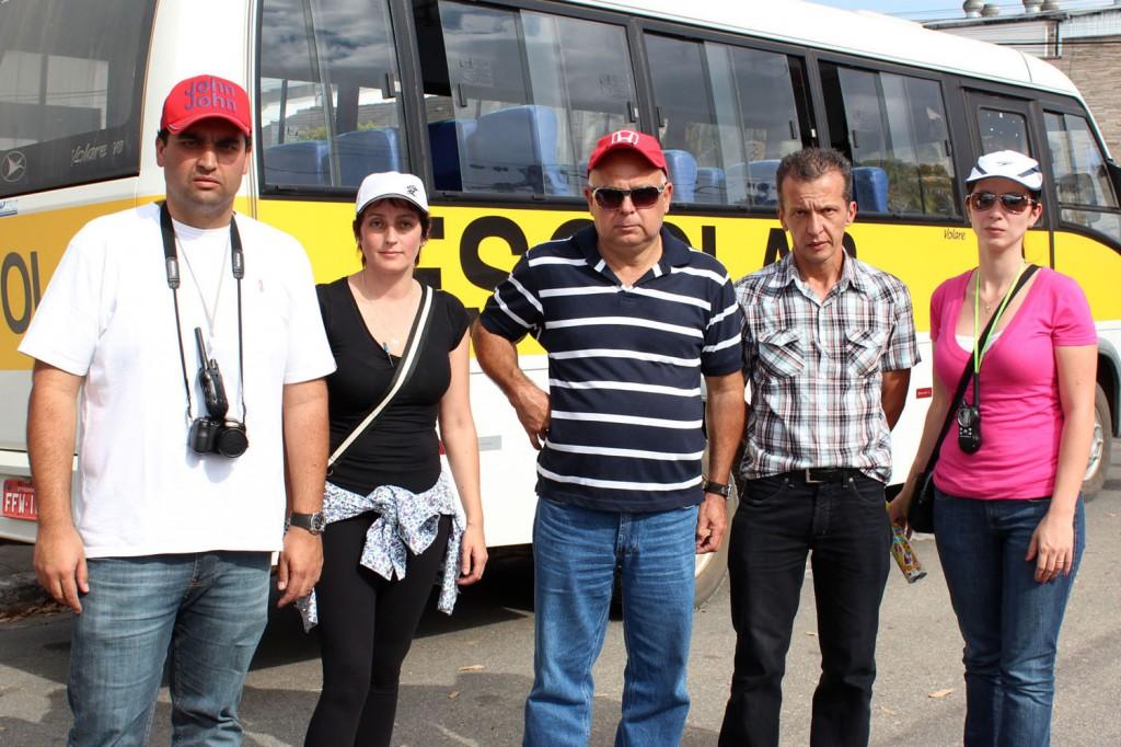 Criação de uma comissão de trabalhadores foi conquista do protesto. Na foto: Lucas Kobbaz, Sheila Ferreira (representante da Aliança), Zaqueu Moreira, José Roberto Camargo e Raquel Gatto