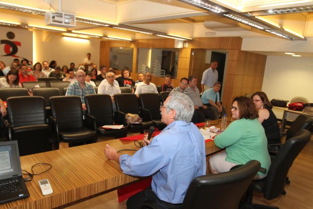Oficina foi realizada pela Secretaria Nacional de Saúde do Trabalhador da CUT no auditório do Sindicato dos Bancários de São Paulo (Crédito Roberto Parizotti)
