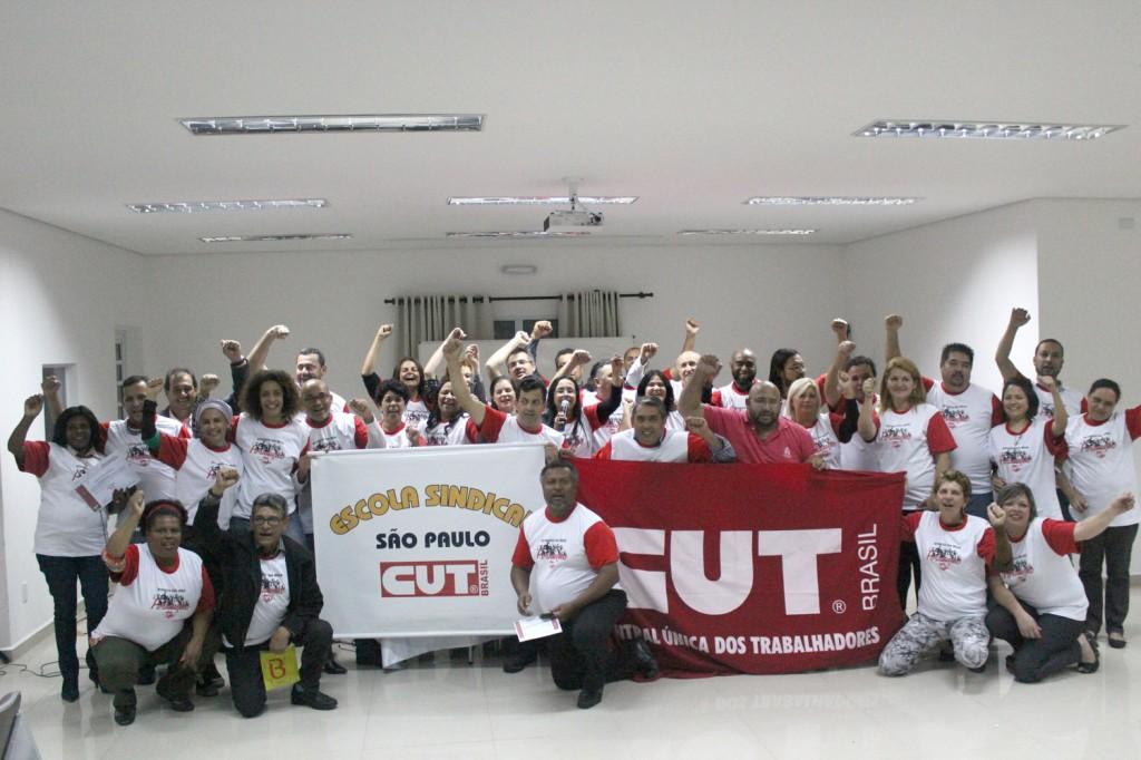 Sindicalistas recebem certificação do curso Formação de Formadores da Escola Sindical da CUT no dia 19 de setembro (Crédito Flaviana Serafim - Secom-CUT/SP)