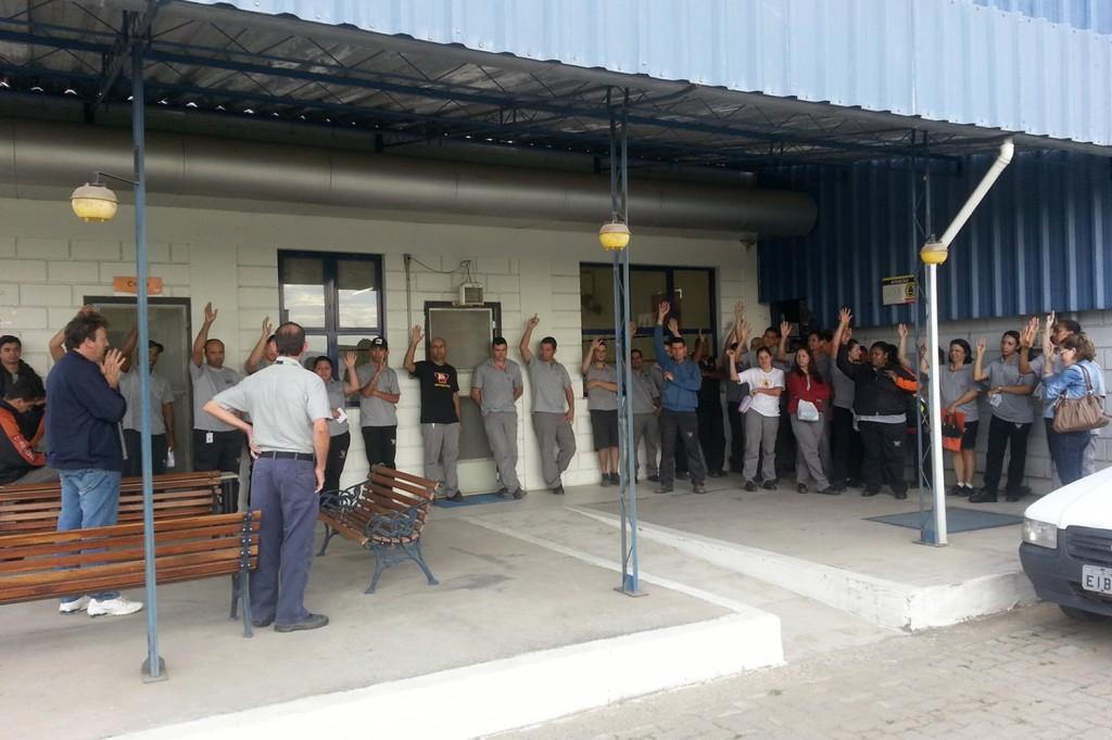 Trabalhadores aprovam em assembleia proposta de aumento salarial com índice maior do que o conquistado junto às bancadas patronais em São Paulo (crédito da foto Célio da Silva - Celinho)