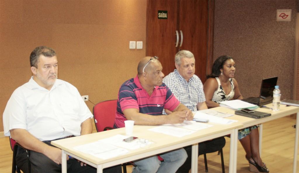 Paulão, presidente da CNM/CUT, Zé Carlos, diretor da FEM, Biro Biro, presidente da FEM e Paixão, coordenadora da FEM - crédito: Mídia Consulte