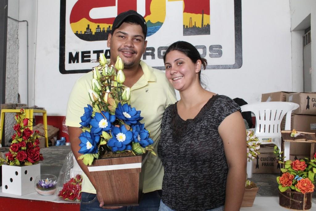 Danilo Victor de Souza e sua esposa Renata Jorge de Oliveira, também instrutora da Sulflores Paraná